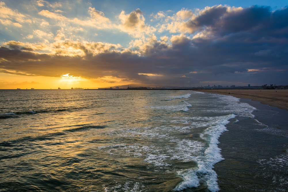 Sunset over the Pacific Ocean, in Seal Beach, California..jpeg