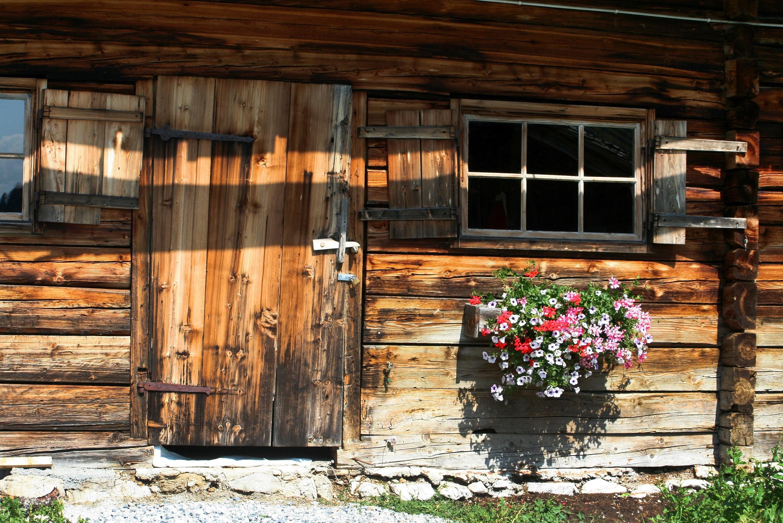 architecture-barn-bungalow-277672