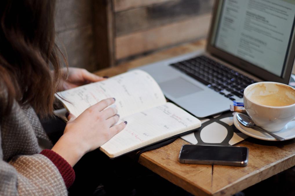 coffee-hands-planning-businesswoman-laptop-calendar-notebook-desktop-using-phone-using-laptop_t20_GGEvxR-1