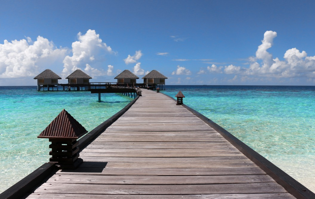 over-water-bungalows_t20_ZVaPxn