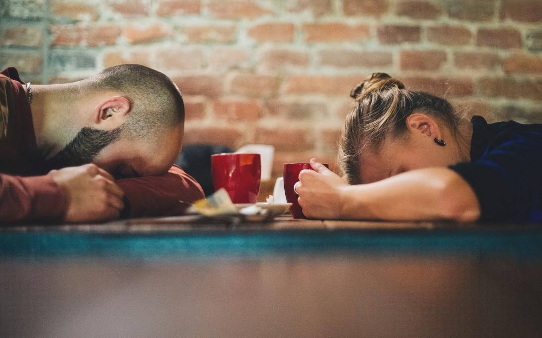 work-or-sleep_t20_GgJGwo (1)